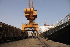 حمل مستقیم غلات از کشتی به قطار در بندر شهید رجایی