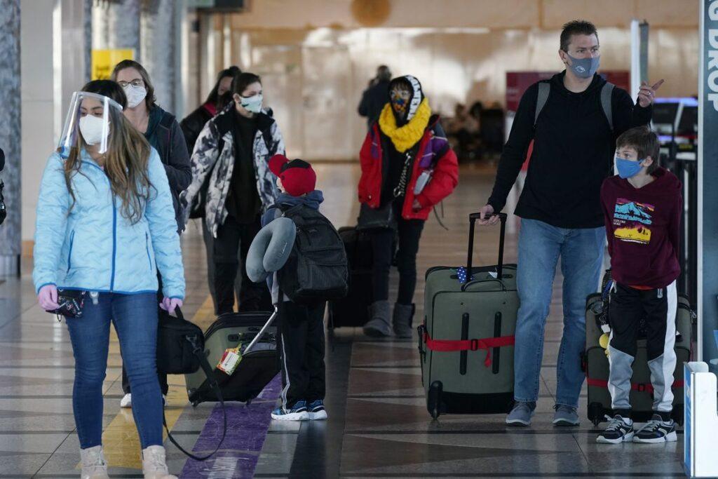 تمدید استفاده اجباری از ماسک در حمل و نقل عمومی آمریکا