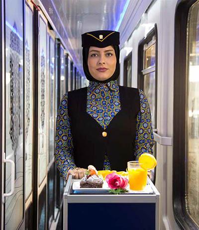 مهماندار قطار 5 ستاره فدک