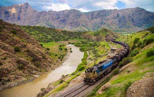 تجارت حمل بار در خطوط ریلی راه آهن به روایت تصویر