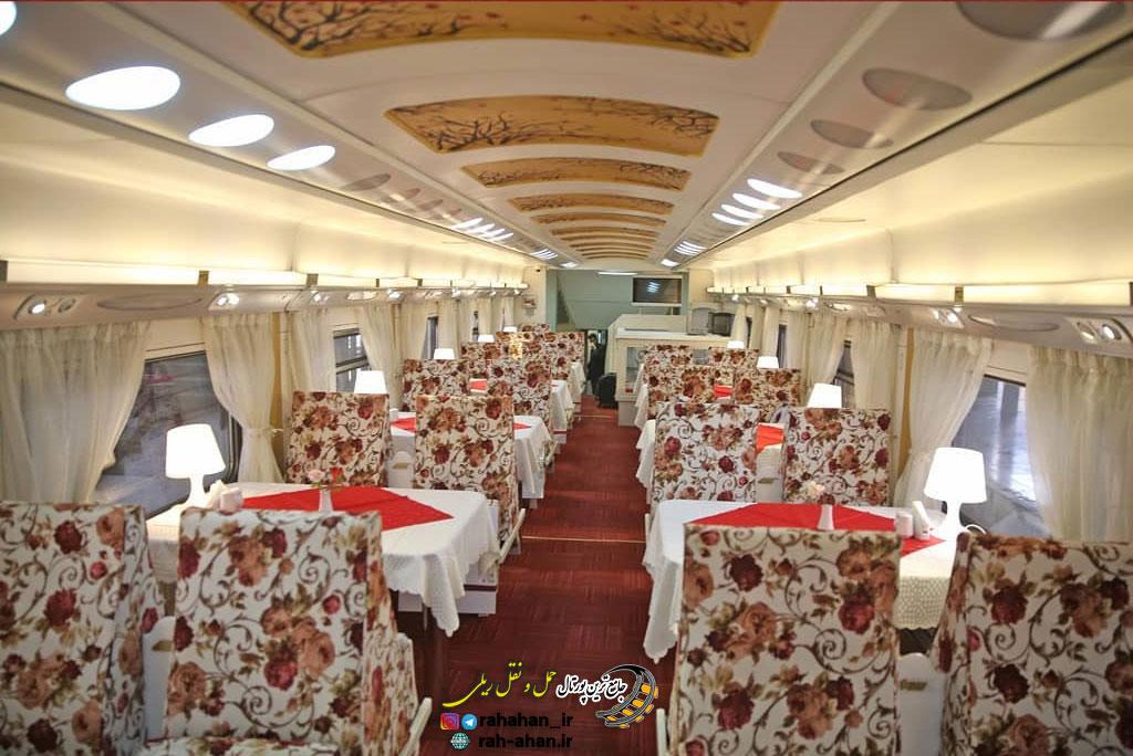 نمای رستوران دو طبقه قطار 5 ستاره زندگی